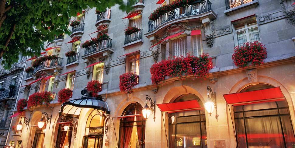 Plaza Athénée hotel Amazing Reopening
