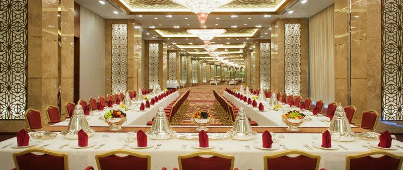 coveted-Exotic-Meydan-Hotel-in-Dubai-meeting
