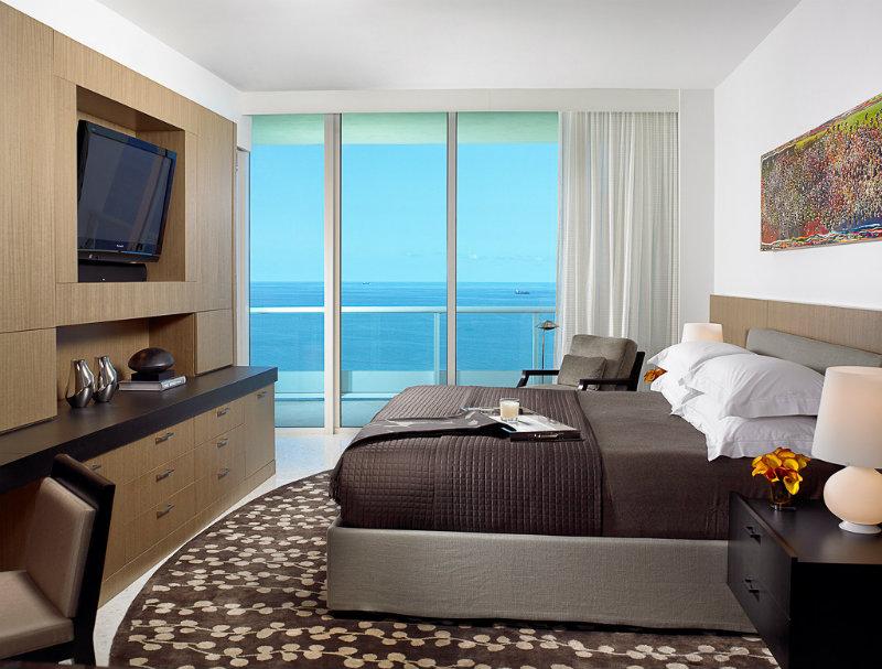 Coveted Top Interior Designers Allen Saunders Bedroom