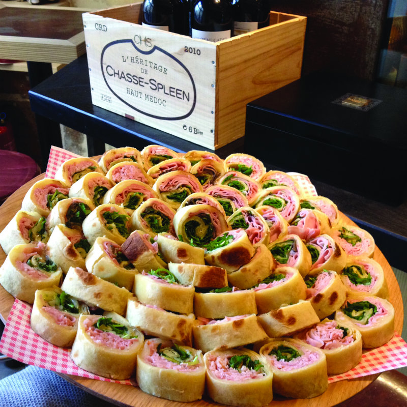 coveted-Dining-in-the-finest-restaurant-of-Paris-Plateau-Piadinas