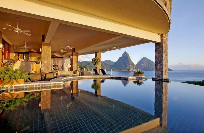 meet-10-hotels-with-the-most-unbelievable-views-6.jpg