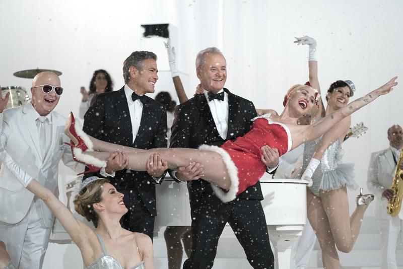 very-murray-christmas-george-clooney-sings-4