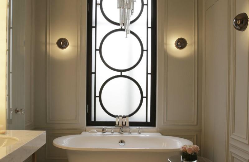 residential-projects-maria-filippova-bathroom