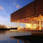 The Waterlovt Houseboat