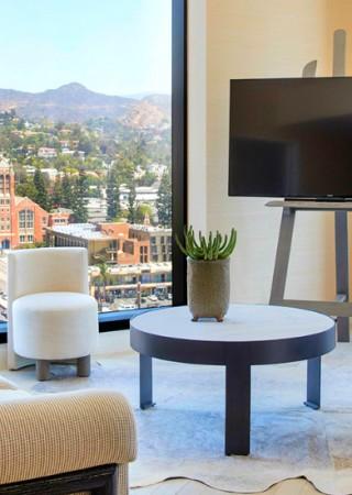 kelly-wearstlers-latest-luxury-residence-in-los-angeles kelly wearstler Kelly Wearstler's Latest Luxury Residence in Los Angeles Kelly Wearstler s Latest Luxury Residence in Los Angeles 320x450
