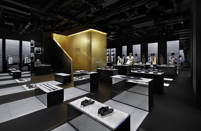 Dolce Gabbana-tokyo-curiosity-gwenael-nicolas-designboom-03