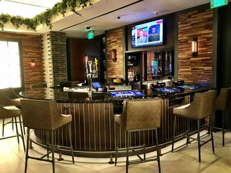 montecristo cigar bar Montecristo Cigar Bar in Las Vegas's Caesars Palace MonteCourtBar e1476207655868