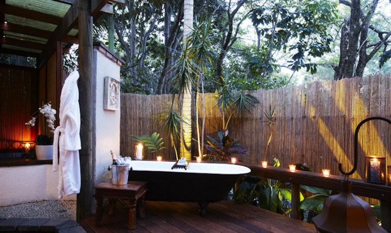 #10 tropical bathroom 10 Astonishing Tropical Bathroom Ideas That You Must See Today 10 Amazing Tropical Bath Ideas 10
