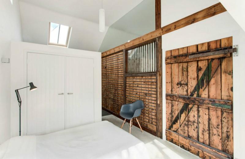 the-stables sliding doors 10 Splendid Bedrooms with Wooden Sliding Doors The Stables