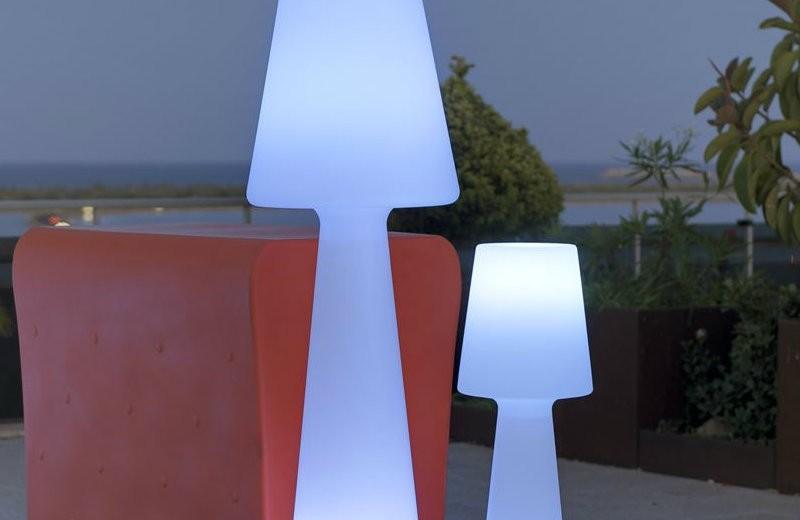lighthouse-outdoor-floor-lamp floor lamps Spectacular Floor lamps to Use in the Outdoors lighthouse outdoor floor lamp