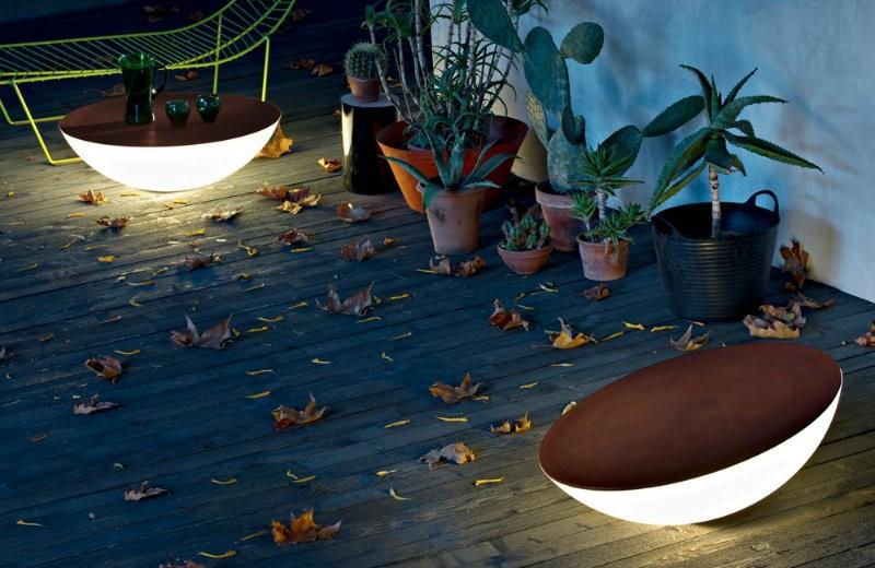 solar-outdoor-floor-lamp-3 floor lamps Spectacular Floor lamps to Use in the Outdoors solar outdoor floor lamp 3