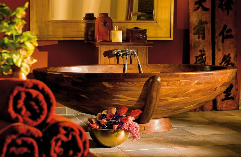 10-relaxing-and-unique-wooden-bathtubs-you-will-love-have-3 wooden bathtubs 10 Relaxing and Unique Wooden Bathtubs You Will Love to Have 10 Relaxing and Unique Wooden Bathtubs You Will Love Have 3