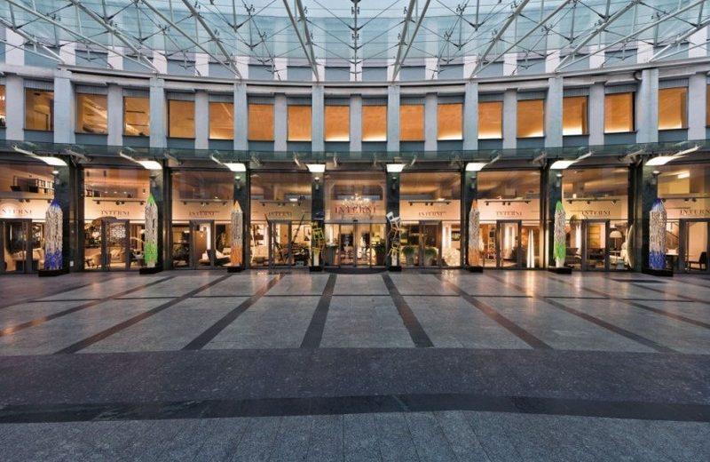 Interni Mobili & Design  Showrooms We Covet: Interni Mobili & Design interni via turati 8  1   milano showroom via turati 1
