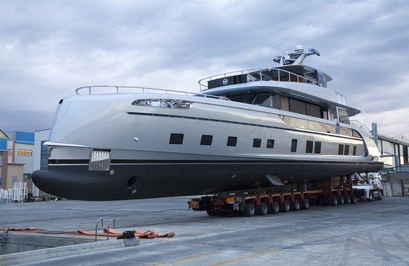 Dynamiq's GTT 115 Is One of the Most Avant-Garde Luxury Superyachts 2