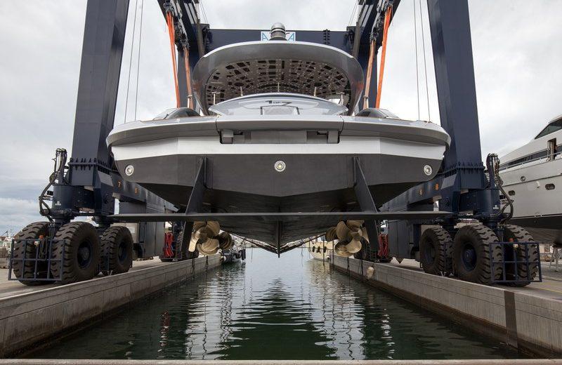 Dynamiq's GTT 115 Is One of the Most Avant-Garde Luxury Superyachts 5