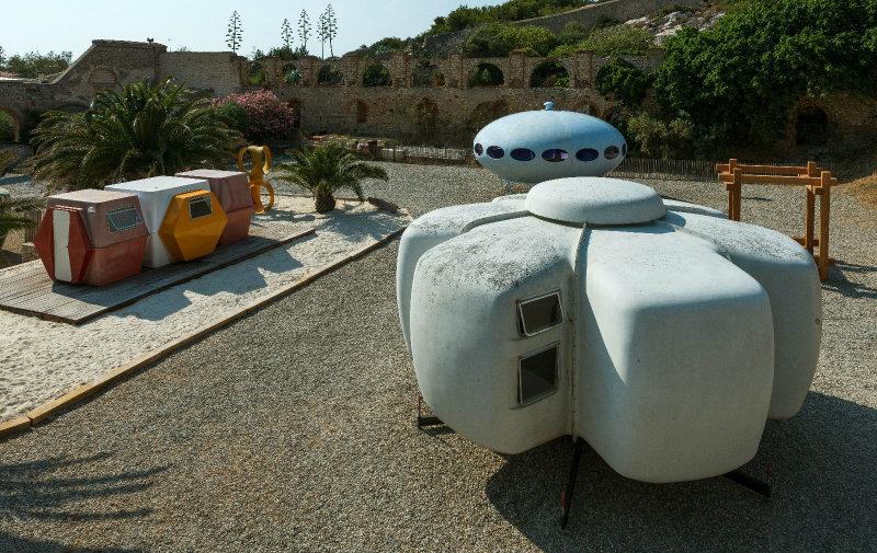 Extravagant Outdoor Design Idea – A Tiny Livable and Functional House #ExtravagantIdea #Tiny House