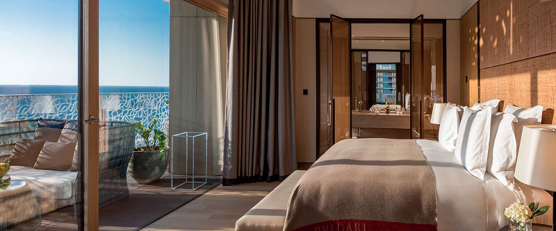 Celebrate Luxury in the New Bulgari Resort & Residences Dubai. To see more news about amazing hotels, subscribe our newsletter right now! #bulgariresortandresidencesdubai #bulgaridubai #bulgarihotels #luxuryhotels #nikoromitorestaurant #dubaihotels #middleeastluxuryvacations