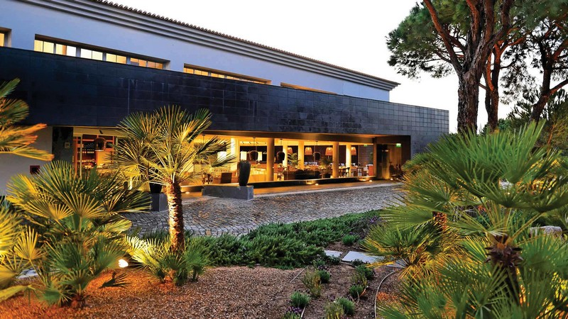 Have the Ultimate Experience in these Top Design Hotels in Portugal 14