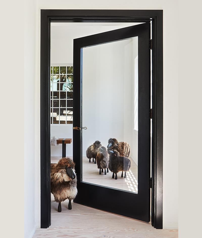 Be Inspired By A New Design Boutique And Experience Californian Living ➤ #covetedmagazine #luxurymagazine #luxuryliving #interiordesign #homedecor #milandesignweek2019 #salonedelmobile2019 #isaloni2019 #maisonetobjet ➤ www.covetedition.com ➤ @covetedmagazine @bocadolobo @delightfulll @brabbu @essentialhomeeu @circudesign @mvalentinabath @luxxu @covethouse_ @rug_society @pullcast_jewelryhardware @bybrabbucontract New Design Boutique Be Inspired By A New Design Boutique And Experience Californian Living Be Inspired By A New Design Boutique And Experience Californian Living 9