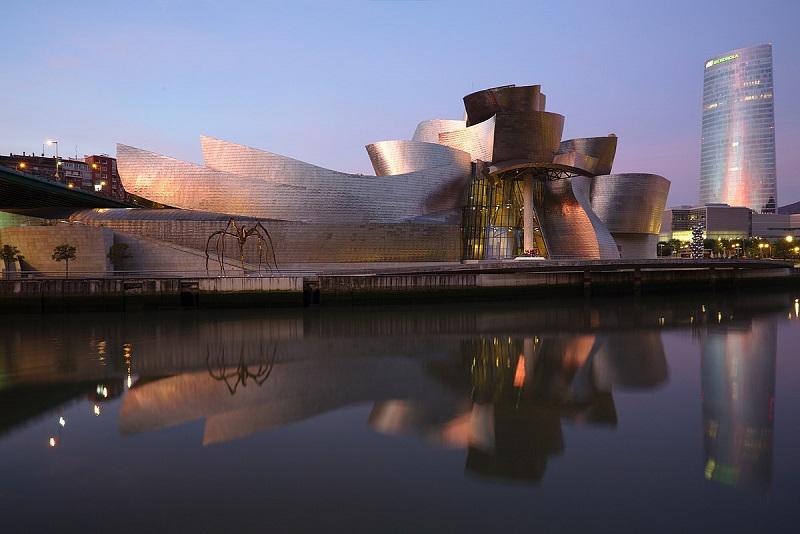 I'm your mirror by Joana Vasconcelos - I'm your mirror by Joana Vasconcelos At The Guggenheim Bilbao Museum ➤ #covetedmagazine #luxurymagazine #luxuryliving #interiordesign #homedecor #milandesignweek2019 #salonedelmobile2019 #isaloni2019 #maisonetobjet ➤ www.covetedition.com ➤ @covetedmagazine @bocadolobo @delightfulll @brabbu @essentialhomeeu @circudesign @mvalentinabath @luxxu @covethouse_ @rug_society @pullcast_jewelryhardware @bybrabbucontract