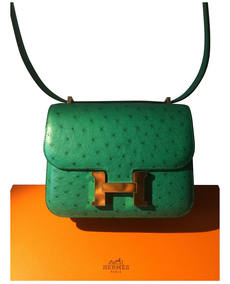 Luxury Shopping Guide: CovetED Magazine Introduces Hermes 2002 Bag ➤ #covetedmagazine #luxuryshoppingguide #hermes2002bag #luxurygoods #luxurybrands ➤ www.covetedition.com ➤ @covetedmagazine @bocadolobo @delightfulll @brabbu @essentialhomeeu @circudesign @mvalentinabath @luxxu @covethouse_ @rug_society @pullcast_jewelryhardware @bybrabbucontract