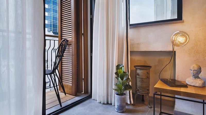 Luxury Travel Inspiration Meet The Amazing Vera Hotel In Tel Aviv ➤ #covetedmagazine #luxurymagazine #luxuryliving #interiordesign #homedecor #milandesignweek2019 #salonedelmobile2019 #isaloni2019 #maisonetobjet ➤ www.covetedition.com ➤ @covetedmagazine @bocadolobo @delightfulll @brabbu @essentialhomeeu @circudesign @mvalentinabath @luxxu @covethouse_ @rug_society @pullcast_jewelryhardware @bybrabbucontract Luxury Travel Inspiration Luxury Travel Inspiration: Meet The Amazing Vera Hotel In Tel Aviv Luxury Travel Inspiration Meet The Amazing Vera Hotel In Tel Aviv 9