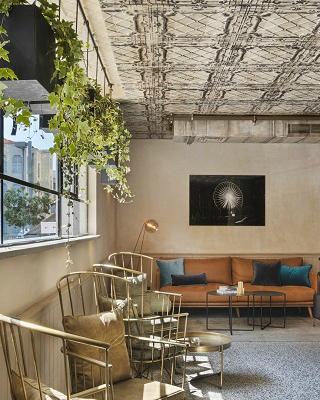 Luxury Travel Inspiration Meet The Amazing Vera Hotel In Tel Aviv ➤ #covetedmagazine #luxurymagazine #luxuryliving #interiordesign #homedecor #milandesignweek2019 #salonedelmobile2019 #isaloni2019 #maisonetobjet ➤ www.covetedition.com ➤ @covetedmagazine @bocadolobo @delightfulll @brabbu @essentialhomeeu @circudesign @mvalentinabath @luxxu @covethouse_ @rug_society @pullcast_jewelryhardware @bybrabbucontract