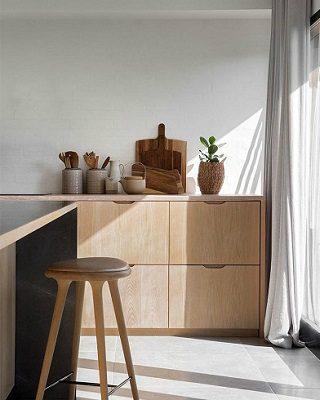 Minimalist Interior Design Project by Norm Architects ➤ #covetedmagazine #luxurymagazine #luxuryliving #interiordesign #homedecor #milandesignweek2019 #salonedelmobile2019 #isaloni2019 #maisonetobjet ➤ www.covetedition.com ➤ @covetedmagazine @bocadolobo @delightfulll @brabbu @essentialhomeeu @circudesign @mvalentinabath @luxxu @covethouse_ @rug_society @pullcast_jewelryhardware @bybrabbucontract