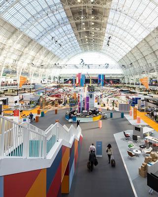 Most Coveted Design Events Of The Year: 100% Design 2018 in London ➤ #covetedmagazine #luxurymagazine #luxuryliving #interiordesign #homedecor #milandesignweek2019 #salonedelmobile2019 #isaloni2019 #maisonetobjet ➤ www.covetedition.com ➤ @covetedmagazine @bocadolobo @delightfulll @brabbu @essentialhomeeu @circudesign @mvalentinabath @luxxu @covethouse_ @rug_society @pullcast_jewelryhardware @bybrabbucontract