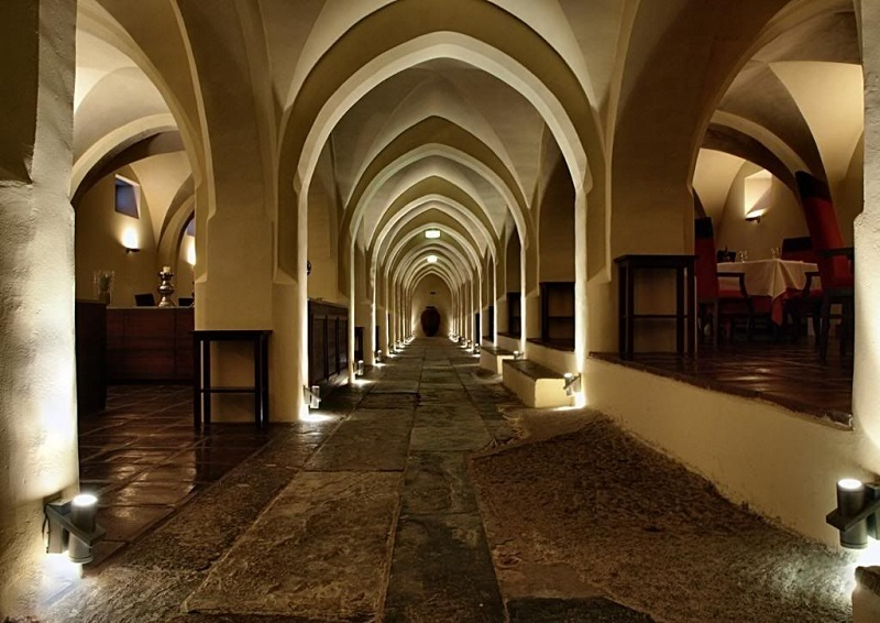 Unique Experience At Luxury Hotel in Portugal Convento do Espinheiro ➤ #covetedmagazine #luxurymagazine #luxuryliving #interiordesign #homedecor #milandesignweek2019 #salonedelmobile2019 #isaloni2019 #maisonetobjet ➤ www.covetedition.com ➤ @covetedmagazine @bocadolobo @delightfulll @brabbu @essentialhomeeu @circudesign @mvalentinabath @luxxu @covethouse_ @rug_society @pullcast_jewelryhardware @bybrabbucontract Luxury Hotel in Portugal Unique Experience At Luxury Hotel in Portugal Convento do Espinheiro Unique Experience At Luxury Hotel in Portugal Convento do Espinheiro 5 1