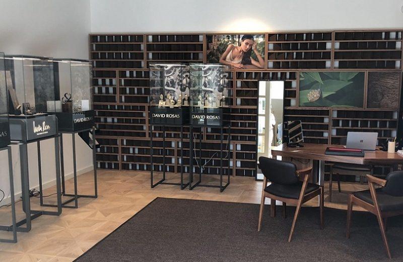Luxury Brand David Rosas Opened a Store at Vila Vita Parc in Algarve ➤ #covetedmagazine #luxurybrand #luxuryhotel #luxuryresort #SecretsfromPortugal ➤ www.covetedition.com ➤ @covetedmagazine @bocadolobo @delightfulll @brabbu @essentialhomeeu @circudesign @mvalentinabath @luxxu @covethouse_ @rug_society @pullcast_jewelryhardware @bybrabbucontract Luxury Brand Luxury Brand David Rosas Opened a Store at Vila Vita Parc in Algarve Luxury Brand David Rosas Opened a Store at Vila Vita Parc in Algarve 5