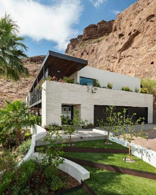 See This Beautifully Renovated Contemporary Luxury Mountain House