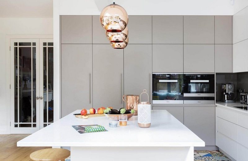 Draw Inspiration From a Series of Amazing Mid-Century Modern Kitchens 3