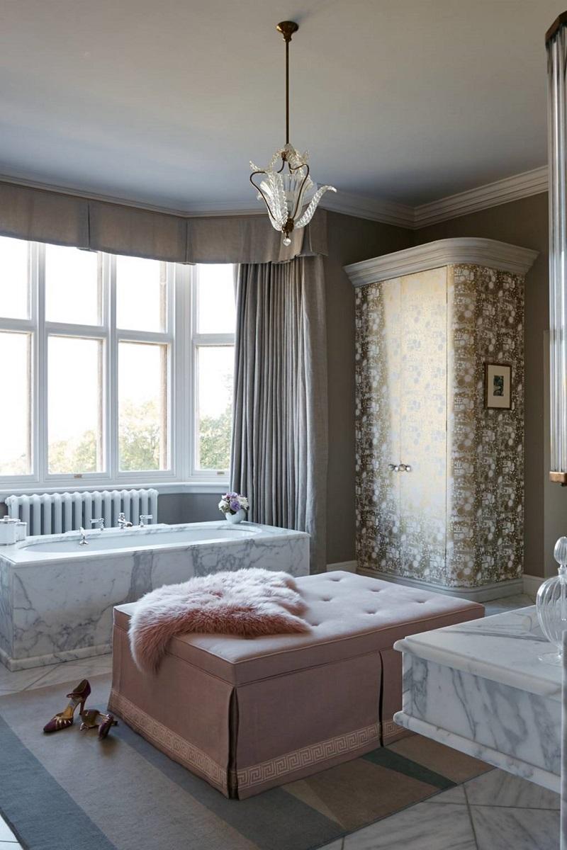 Revamp Your Luxury Bathroom Decor With Unique Wallpapers ➤ #covetedmagazine #interiordesign #homedecor #luxuryinteriors #luxurybathroomdecor #luxurybathroom ➤ www.covetedition.com ➤ @covetedmagazine @bocadolobo @delightfulll @brabbu @essentialhomeeu @circudesign @mvalentinabath @luxxu @covethouse_ @rug_society @pullcast_jewelryhardware @bybrabbucontract Luxury Bathroom Decor Revamp Your Luxury Bathroom Decor With Unique Wallpapers Revamp Your Luxury Bathroom Decor With Unique Wallpapers 10