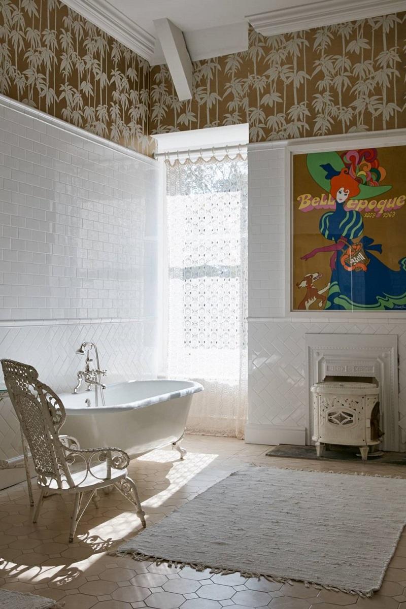 Revamp Your Luxury Bathroom Decor With Unique Wallpapers ➤ #covetedmagazine #interiordesign #homedecor #luxuryinteriors #luxurybathroomdecor #luxurybathroom ➤ www.covetedition.com ➤ @covetedmagazine @bocadolobo @delightfulll @brabbu @essentialhomeeu @circudesign @mvalentinabath @luxxu @covethouse_ @rug_society @pullcast_jewelryhardware @bybrabbucontract Luxury Bathroom Decor Revamp Your Luxury Bathroom Decor With Unique Wallpapers Revamp Your Luxury Bathroom Decor With Unique Wallpapers 2