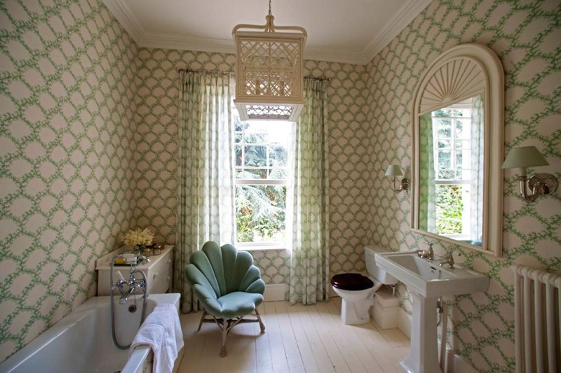 Revamp Your Luxury Bathroom Decor With Unique Wallpapers ➤ #covetedmagazine #interiordesign #homedecor #luxuryinteriors #luxurybathroomdecor #luxurybathroom ➤ www.covetedition.com ➤ @covetedmagazine @bocadolobo @delightfulll @brabbu @essentialhomeeu @circudesign @mvalentinabath @luxxu @covethouse_ @rug_society @pullcast_jewelryhardware @bybrabbucontract Luxury Bathroom Decor Revamp Your Luxury Bathroom Decor With Unique Wallpapers Revamp Your Luxury Bathroom Decor With Unique Wallpapers 9