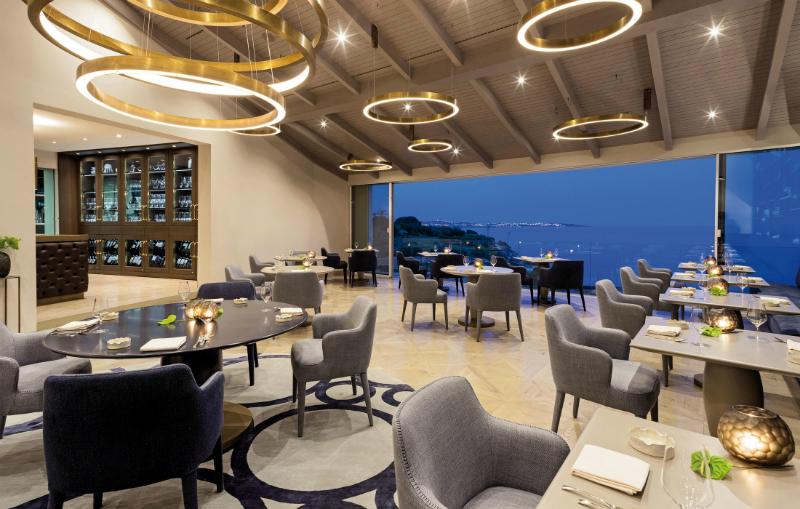 Behind the Scenes of the Luxury Hotel, Vila Vita Parc in Algarve (12)