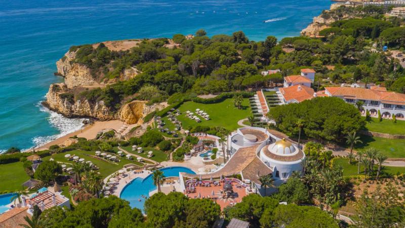 Behind the Scenes of the Luxury Hotel, Vila Vita Parc in Algarve (14)