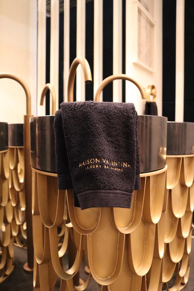 Stands You Can't Miss From Top Luxury Brands At Maison et Objet Paris 2019 ➤ #covetedmagazine #interiordesign #homedecor #maisonetobjet2019 #maisonetobjet #parisdecooff2019 ➤ www.covetedition.com ➤ @covetedmagazine @bocadolobo @delightfulll @brabbu @essentialhomeeu @circudesign @mvalentinabath @luxxu @covethouse_ @rug_society @pullcast_jewelryhardware @byfoogo Maison et Objet 2019 StandsYou Can't Miss From Top Luxury Brands At Maison et Objet 2019 Stands You Cant Miss From Top Luxury Brands At Maison et Objet 2019 MV