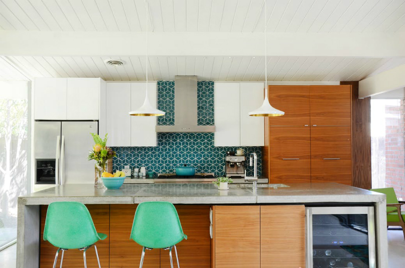 Step Inside The Mid-Century Modern Design Of This California Home