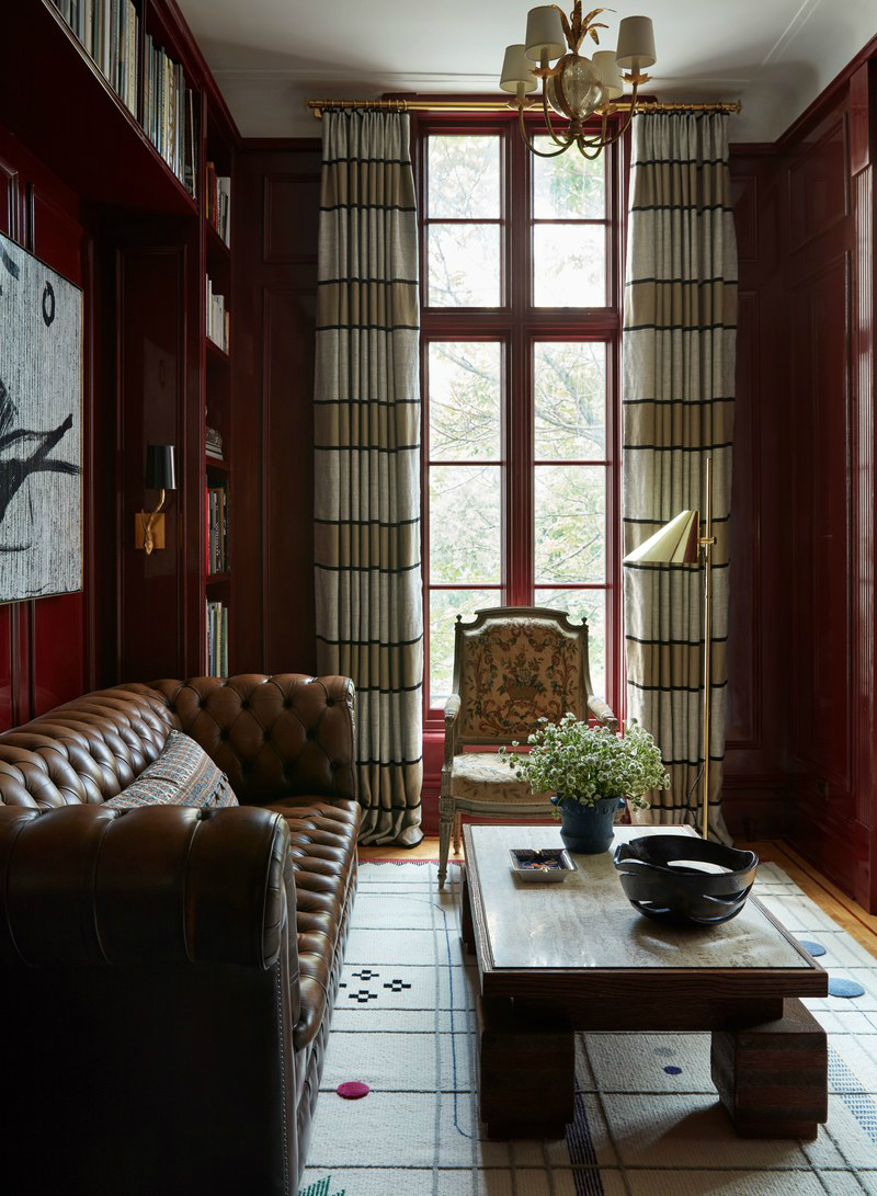 This NYC Apartment Gives Off Incredible Parisian Pied-à-Terre Vibes (2) parisian pied-à-terre This NYC Apartment Gives Off Incredible Parisian Pied-à-Terre Vibes This NYC Apartment Gives Off Incredible Parisian Pied Terre Vibes 2