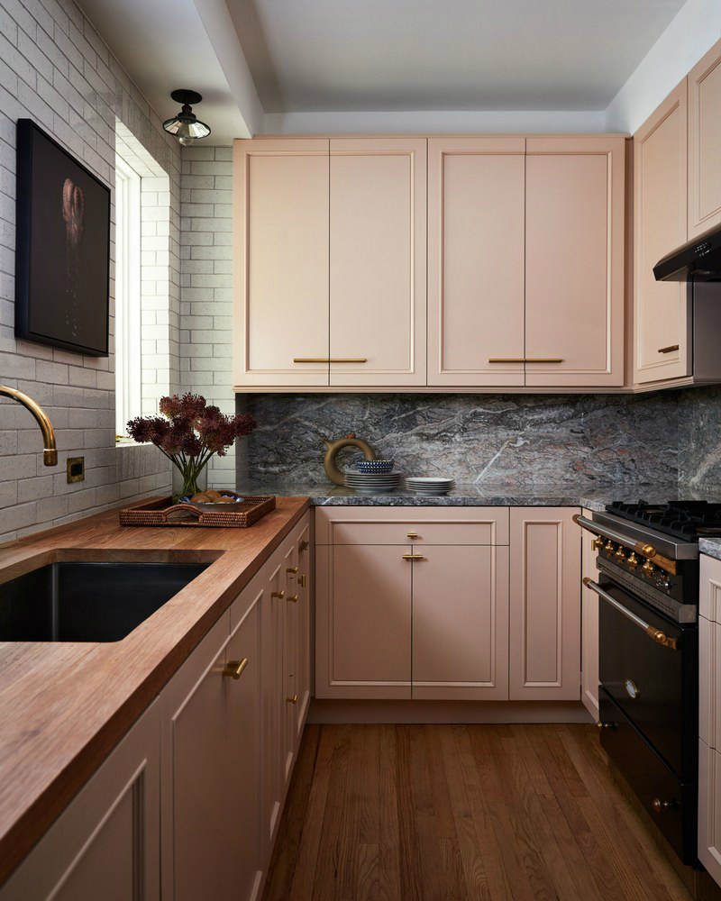 This NYC Apartment Gives Off Incredible Parisian Pied-à-Terre Vibes (3) parisian pied-à-terre This NYC Apartment Gives Off Incredible Parisian Pied-à-Terre Vibes This NYC Apartment Gives Off Incredible Parisian Pied Terre Vibes 3