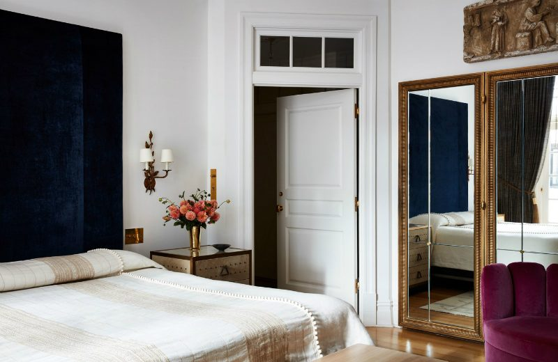 This NYC Apartment Gives Off Incredible Parisian Pied-à-Terre Vibes (6) parisian pied-à-terre This NYC Apartment Gives Off Incredible Parisian Pied-à-Terre Vibes This NYC Apartment Gives Off Incredible Parisian Pied Terre Vibes 6