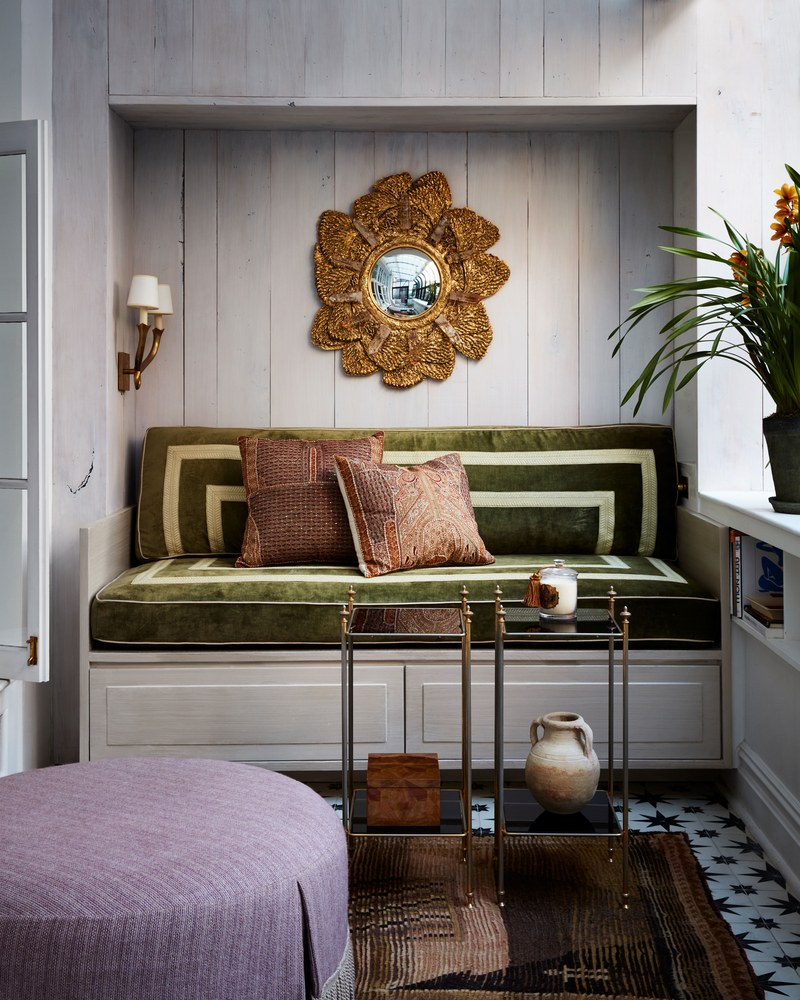 This NYC Apartment Gives Off Incredible Parisian Pied-à-Terre Vibes (8) parisian pied-à-terre This NYC Apartment Gives Off Incredible Parisian Pied-à-Terre Vibes This NYC Apartment Gives Off Incredible Parisian Pied Terre Vibes 8