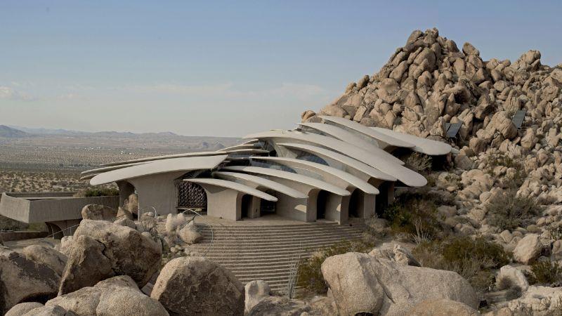 Impressive Architectural Design In Joshua Tree 1