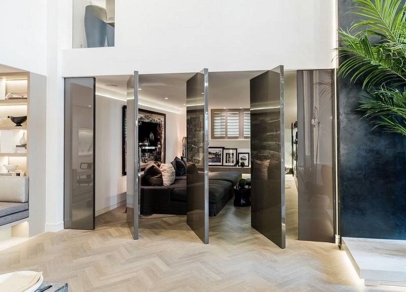 Kelly Hoppen: Let's Check inside the British Designer's House!